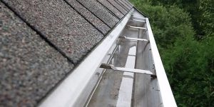 Gutter-Cleaning-Repair