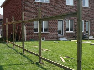 building-a-wood-fence-001